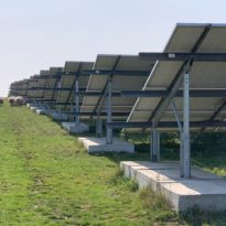 Zonnepark Avri Geldermalsen zonnepanelen achter-aanzicht